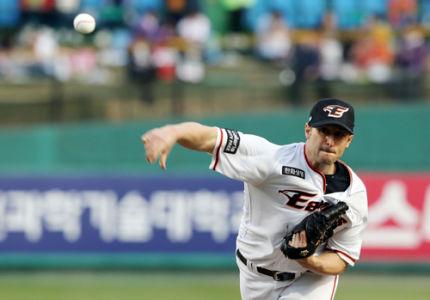 Alessandro-Alex-Maestri-Hanwha-Eagles-Kbo-Baseball (1)