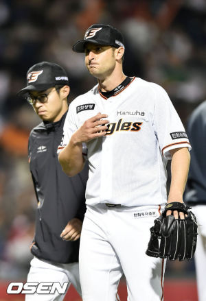 Alessandro-Alex-Maestri-Hanwha-Eagles-Kbo-Baseball (37)