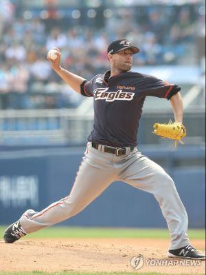 Alessandro-Alex-Maestri-Hanwha-Eagles-Kbo-Baseball (3)