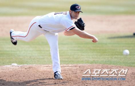 Alessandro Alex Maestri Hanwha Eagles Corea Baseball (13)
