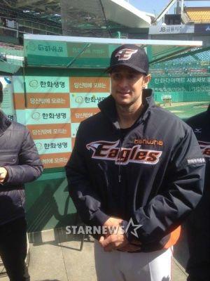 Alessandro Alex Maestri Hanwha Eagles Corea Baseball (2)
