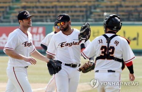 Alessandro Alex Maestri Hanwha Eagles Corea Baseball (5)