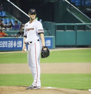 Alessandro Maestri Eagles Korean Baseball (14)