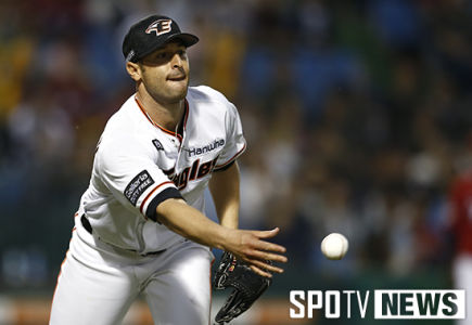 Alessandro Maestri Eagles Korean Baseball (19)
