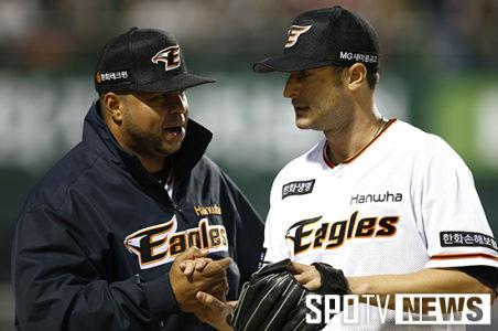 Alessandro Maestri Eagles Korean Baseball (21)