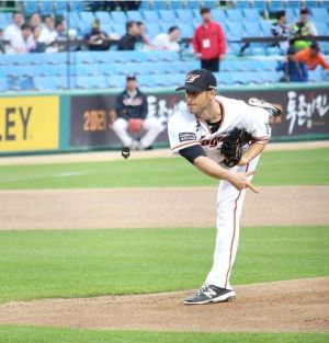 Alessandro Maestri Eagles Korean Baseball (6)
