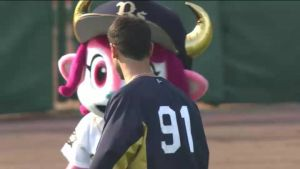 Alex Maestri Pitcher Japan Buffaloes 2014 (140)