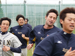 Alex Maestri Pitcher Japan Buffaloes 2014 (300)