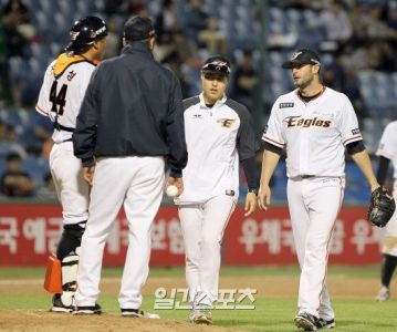 Maestri Hanwha Eagles Nc Dinos May 2016 (11)