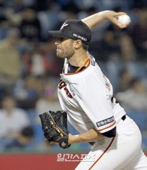 Maestri Hanwha Eagles Nc Dinos May 2016 (1)