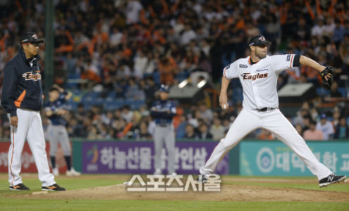 Maestri Hanwha Eagles Nc Dinos May 2016 (2)