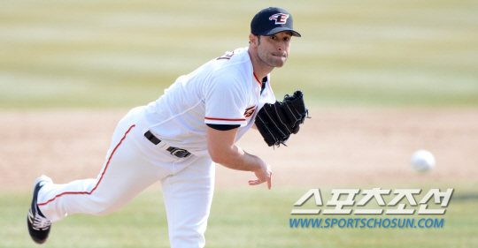 Alessandro Alex Maestri Hanwha Eagles Corea Baseball (12)