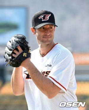 Alessandro Alex Maestri Hanwha Eagles Corea Baseball (1)