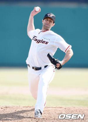 Alessandro Alex Maestri Hanwha Eagles Corea Baseball (4)