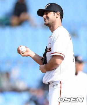 Alessandro Alex Maestri Hanwha Eagles Corea Baseball (7)