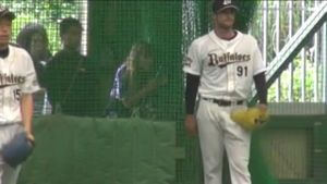 Alex Maestri Pitcher Japan Buffaloes 2014 (253)