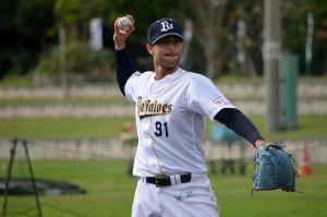 Alex Maestri Pitcher Japan Buffaloes 2014 (262)